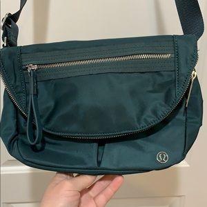 Lululemon teal shadow festival bag